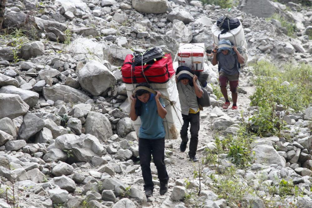 Nepal, Manaslu, Tsum Valley, Trekking, Wandern, Himalaya, Träger