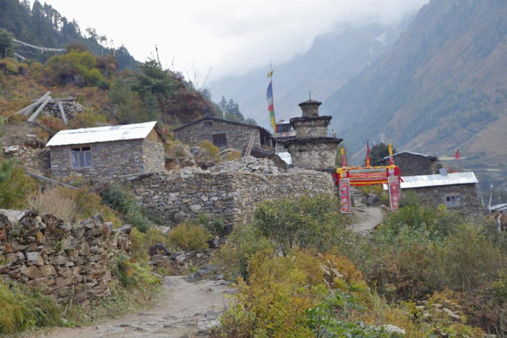 Nepal, Manaslu, Tsum Valley, Trekking, Wandern, Himalaya, Bergdorf