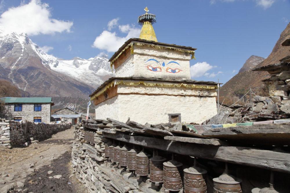 Nepal, Manaslu, Tsum Valley, Trekking, Wandern, Himalaya, Stupa, Gebetsmühlen
