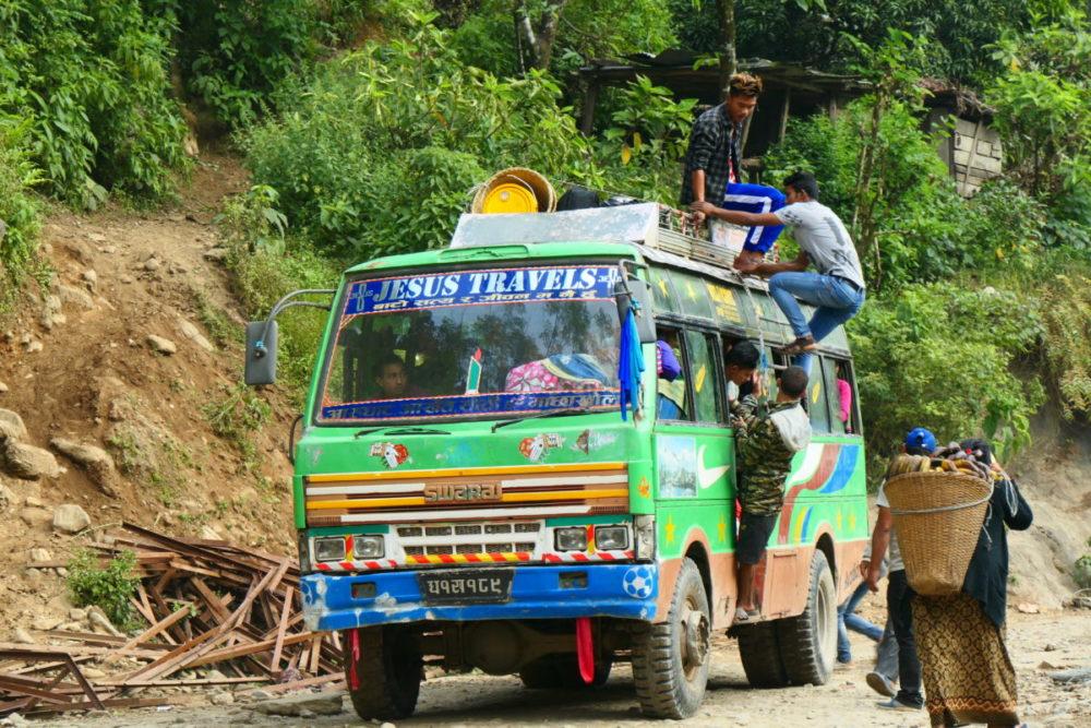 Nepal, Manaslu, Tsum Valley, Trekking, Wandern, Himalaya, Transport, Bus